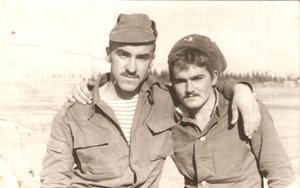 Сергей Ложкин с другом Игорем Мичманюк, погибшим в Афганистане.