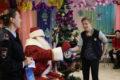 Полицейский Дед Мороз в гостях  у детей из центра помощи детям